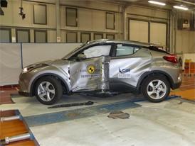Toyota C-HR - Pole crash test 2017 - after crash