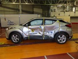 Toyota C-HR - Side crash test 2017 - after crash