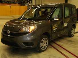 Fiat Doblo  - Side crash test 2017