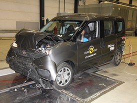 Fiat Doblo - Frontal Full Width test 2017 - after crash