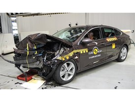 Opel Insignia- Frontal Offset Impact test 2017 - after crash