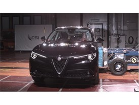 Alfa Romeo Stelvio  - Side crash test 2017