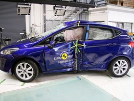 Ford Fiesta - Pole crash test 2017 - after crash
