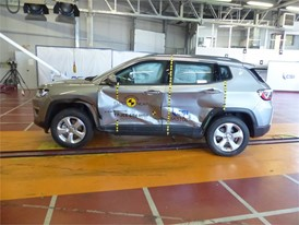 Jeep Compass  - Side crash test 2017-after crash