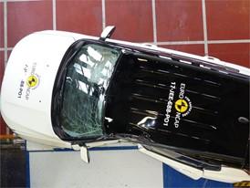 Jeep Compass - Pole crash test 2017 - after crash