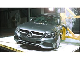 Mercedes-Benz C-Class Cabriolet - Pole crash test 2017