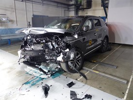Renault Koleos- Frontal Offset Impact test 2017 - after crash