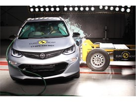 Opel/Vauxhall Ampera-e - Side crash test 2017