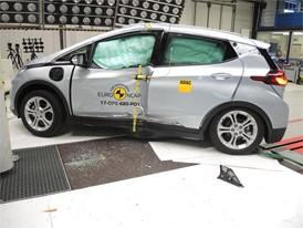 Opel/Vauxhall Ampera-e - Pole crash test 2017 - after crash