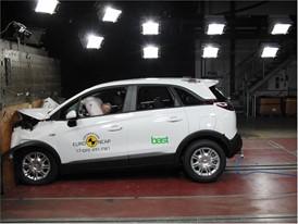 Opel/Vauxhall Crossland X - Frontal Full Width test 2017