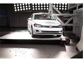 VW Polo - Pole crash test 2017