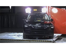 Skoda Karoq - Pole crash test 2017