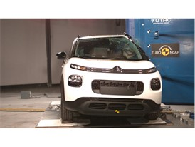Citroën C3 Aircross - Pole crash test 2017