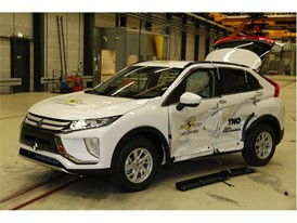 Mitsubishi Eclipse Cross - Side crash test 2017 - after crash