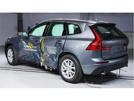 Volvo XC60 - Side crash test 2017 - after crash