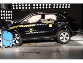 Porsche Cayenne - Frontal Offset Impact test 2017