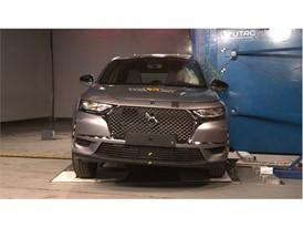 DS 7 Crossback - Pole crash test 2017