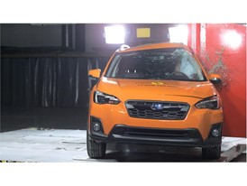 Subaru XV - Pole crash test 2017