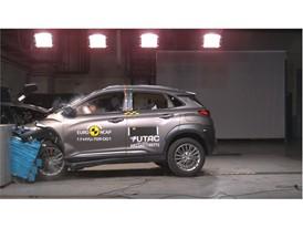 Hyundai KONA - Frontal Offset Impact test 2017