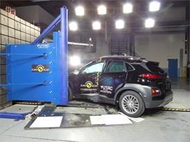Hyundai KONA - Pole crash test 2017 - after crash