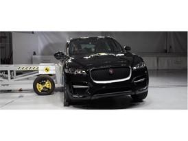 Jaguar F-Pace - Side crash test 2017