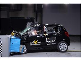 Opel Karl - Frontal Offset Impact test 2017