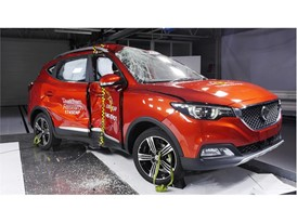 MG ZS - Pole crash test 2017 - after crash