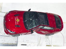 Kia Stinger - Pole crash test 2017 - after crash