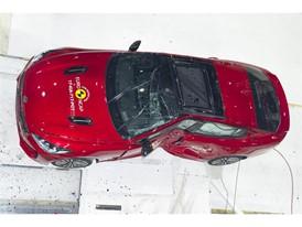 Kia Stinger - Pole crash test 2017 - after crash