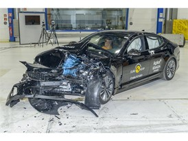 Kia Stinger - Frontal Offset Impact test 2017 - after crash