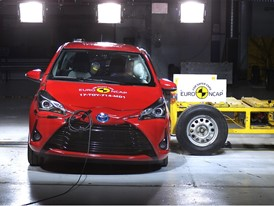 Toyota Yaris - Side crash test 2017