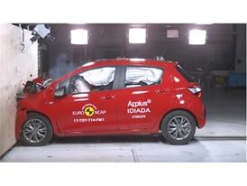 Toyota Yaris - Frontal Full Width test 2017