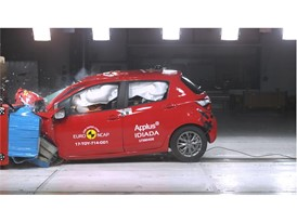 Toyota Yaris - Frontal Offset Impact test 2017