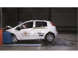 Fiat Punto - Frontal Offset Impact test 2017