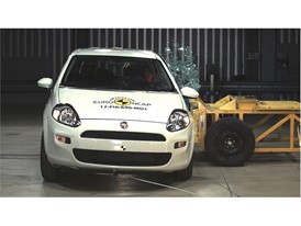 Fiat Punto - Side crash test 2017