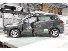 Ford Grand C-MAX - Pole crash test 2017 - after crash