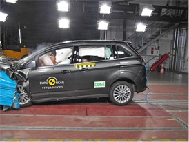 Ford Grand C-MAX - Frontal Offset Impact test 2017