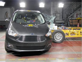 Ford Grand C-MAX - Side crash test 2017