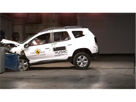 Dacia Duster - Frontal Offset Impact test 2017