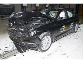 BMW 5-series - Frontal Full Width test 2017 - after crash