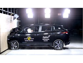 Nissan LEAF - Frontal Full Width test 2018