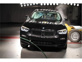 BMW X3-X4 - Side crash test 2017