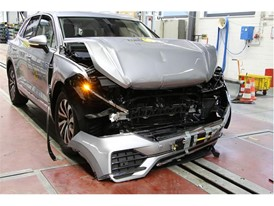 VW Touareg - Frontal Full Width test 2018 - after crash