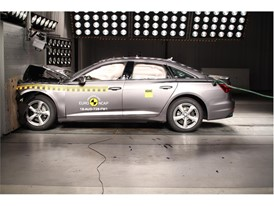 Audi A6 - Frontal Full Width test 2018