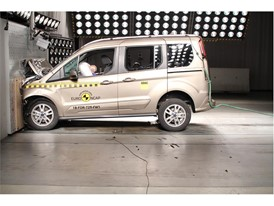 Ford Tourneo Connect - Frontal Full Width test 2018