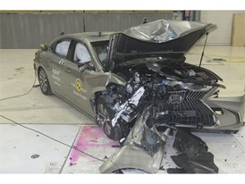 Lexus ES - Frontal Offset Impact test 2018 - after crash