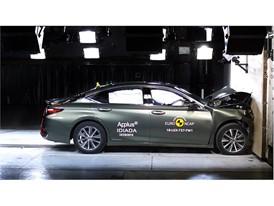 Lexus ES - Frontal Full Width test 2018