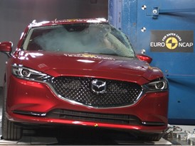 Mazda 6 - Pole crash test 2018