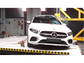 Mercedes-Benz A Class - Pole crash test 2018