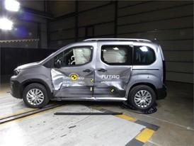 Peugeot Rifter - Side crash test 2018 - after crash